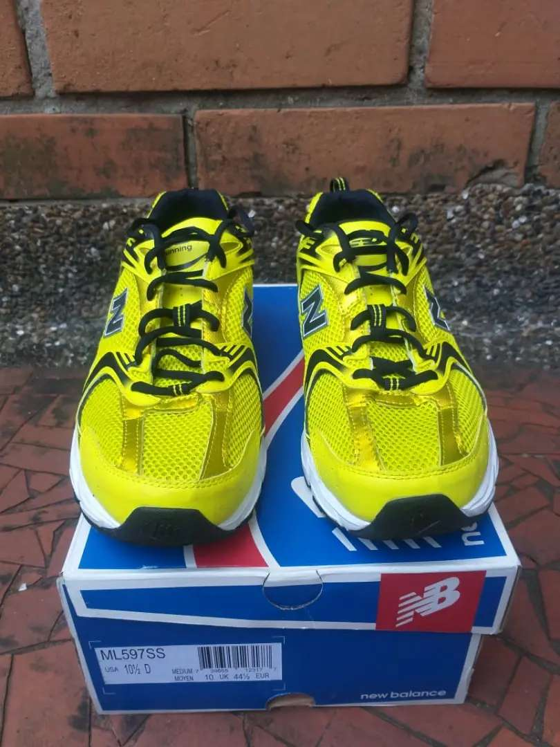 NEW BALANCE 530 absorb, talla 10.5US, 41 Colombiano, 28.5cm 0