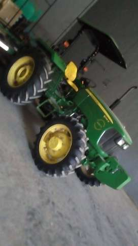 Tractor John Deere 5045E