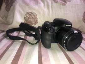 Camara Sony semiprofesional Dsc-H400