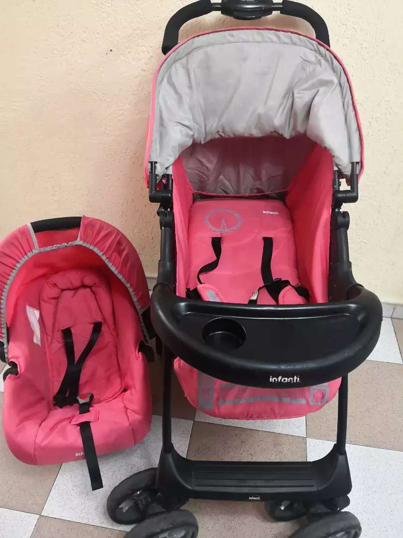 Coche para bebé marca Infanti 0