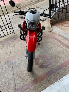 Vendo moto honda xrl150