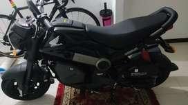 Se vende Honda Navi como nueva. Negra y en excelente estado 10/10