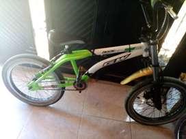 Bicicleta GW lancer original con papeles plato optimus bmx suspensiones rrin doble pestaña asiento gw y otros accesorios