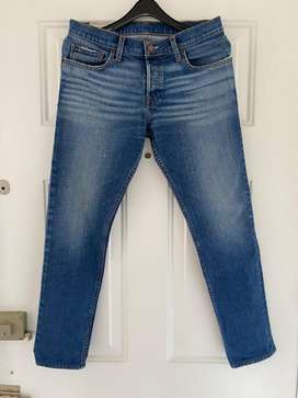 Jean color azul Hollister skinny, talla 30