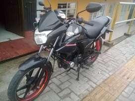 se vende moto cb 110 modelo 2016 como nueva color negro targeta y traspaso