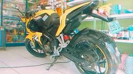 Vendo moto pulsar rs 200