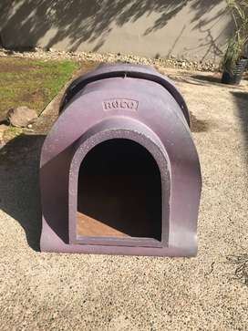 Cucha de perro, ROCO, con plastico recicladp + incluye almohadon