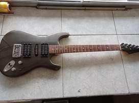 Hermosa guitarra electrica Ibáñez