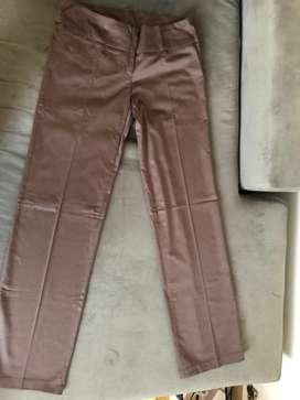 Pantalon marron tiro bajo