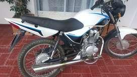 Vendo moto .150cc motomel  sólo interesados