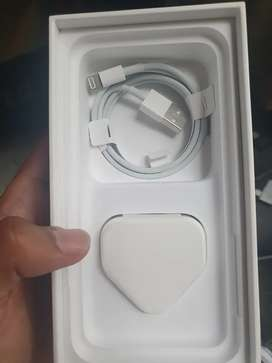 Vendo cargador original de iphone x original sin usar