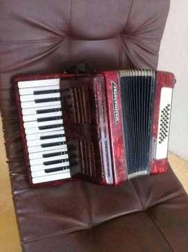 Vendo acordeon  exelentes condiciones