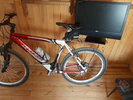 Bicicleta rin 26 en aluminio y tv 24 p. LG se cambia x una bicicleta rin 27