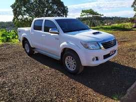 Toyota Hilux Srv Cuero Doble Cabina 4x2