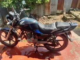 Moto CB125E Strom