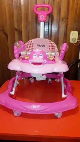 Andador de nena impecable muy poco uso
