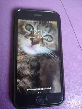 Se vende iPhone 7 plus Negro 128 g memoria usado con número entel