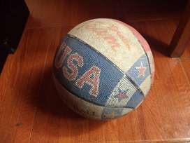 vendo balon de basquet ball en perfectas condiciones