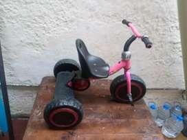 Vendo lindo triciclo para niños