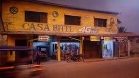 CASA CON LOCALES