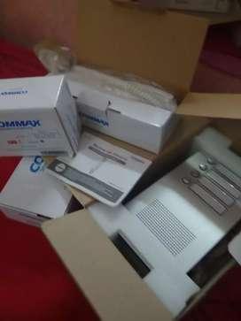 Portero Commax con 2 telefonos