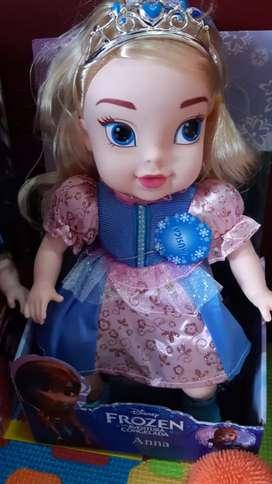 Muñeca Frozen canta