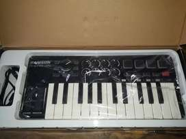 Controlador MIDI Samson Graphite M25