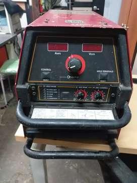 Soldadora usada en buen estado Lincoln Electric Inverter V350PROl