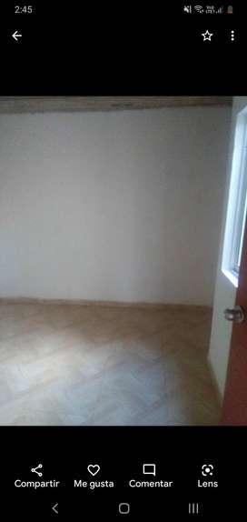 Se vende casa de dos pisos con su entrada independiente en el barrio Líbano 2000