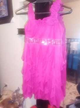 Vestido para niña en buen estado talla14