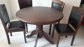 Mesa de Comedor (4 sillas )