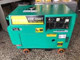 Planta electrica 6500 cabinada marca kama, garantia 6 meses usada!