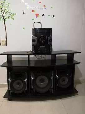 Vendo Equipo de Sonido marca SONY con mueble