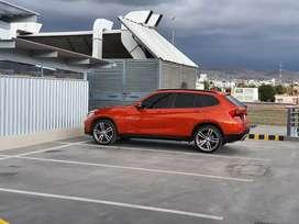 BMW X1 PRÁCTICAMENTE NUEVA
