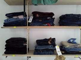 Jeans Love Me, Seven 7, Punto Aparte entre otros