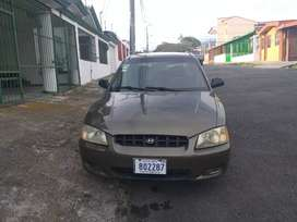 Accent 2000 impecable rtv hasta Julio 2021 pintura y motor impecable  manual  celular 89513506