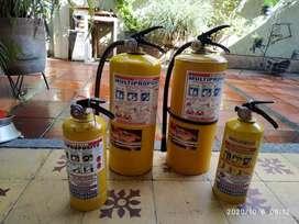 Vendo  2 Extintores c/u  Multipropósito. 20 Lbs.recargable. Usado