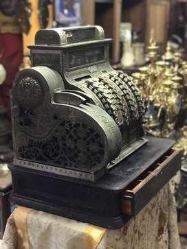 Antigua caja Registradora Americana