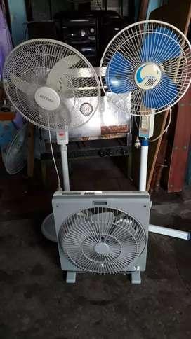 Vendo permuto x mudanza 3 ventiladores andan todoslos tres junto oh separado