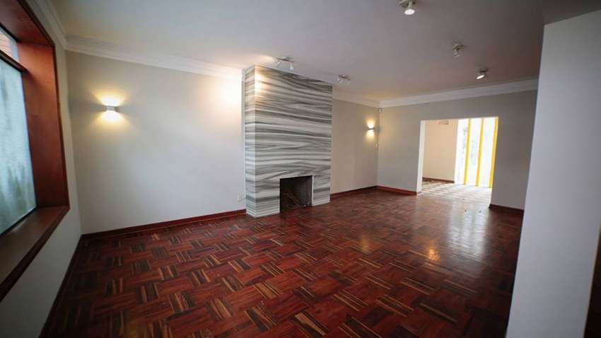 Alquilo amplio local comercial con un Área de 453 m2, ubicado en exclusiva zona de San Isidro 0