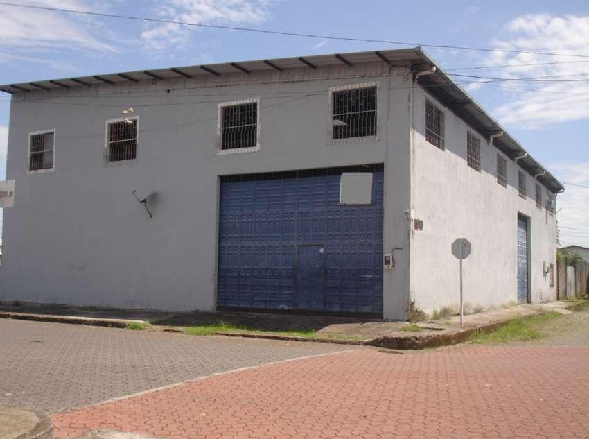 ¡Oferta! ARRIENDO GALPON/OFICINAS/El Coca/Zona Comercial/De 340 m2 Construidos/Barrio 30 de abril 0