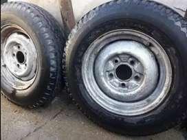 Vendo 2 ruedas armadas para camioneta