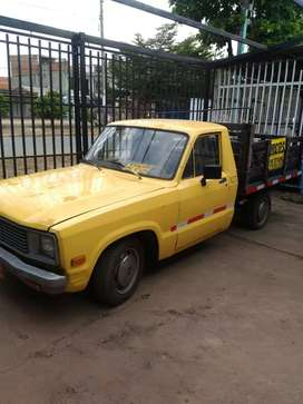 Vendo Camioneta MAZDA Estacas 1 tonelada