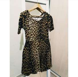 Vendo Vestido Animal Print, Talle P