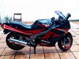 Vendo Kawasaki ZZR 1100