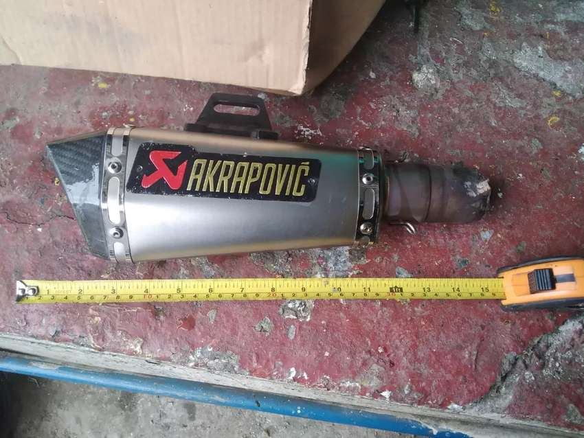 Vendo escape akrapovic 0