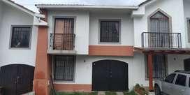 Se vende casa frente a terraplaza