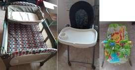 Cama para bebe + mesa comedor marca GRACO + silla mesedora