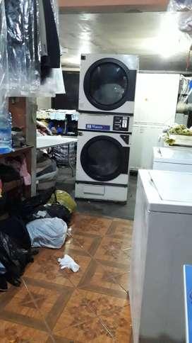 Se traspasa lavandería muy buena ubicación, frente a condominios