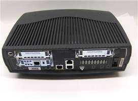 Router Cisco 1751 - (IEEE 802.1Q, 10,100 Mbit/s, 3DES,DES, Cisco IOS, Negro, Poder) Usado Funcinal